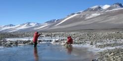 Researchers study ice