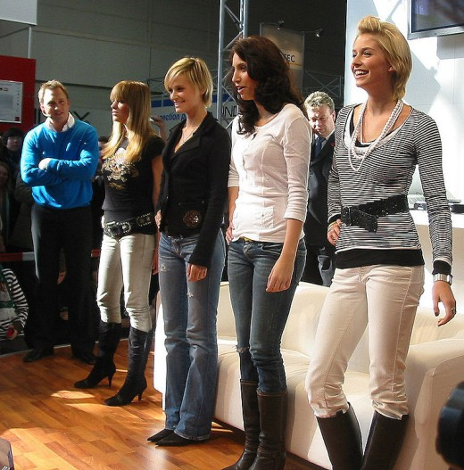 """Contestants for German TV show """"Germany's Next Top Model""""."""