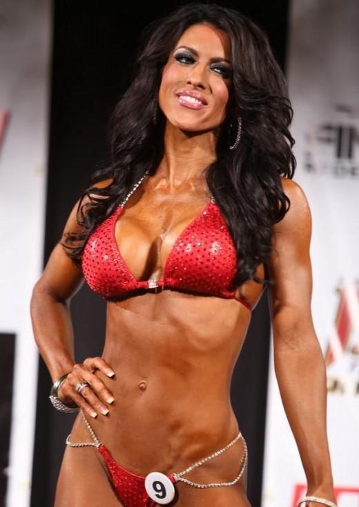Amanda Latona - IFBB Bikini Pro
