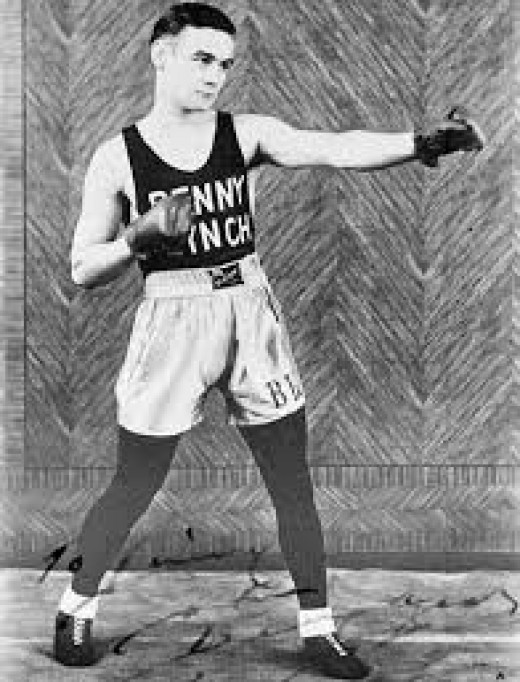 Ring legend Benny Lynch was inducted into the International Boxing Hall of Fame in 1998.