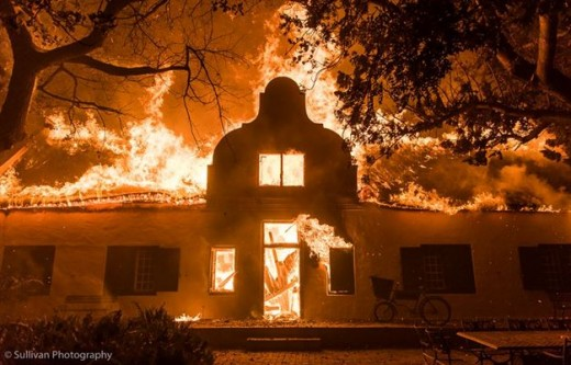 Raging fire destroyed historical home of Totius, Paarl, Western Province, South Africa, January 2017