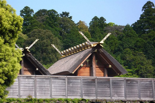 Ise Jingu is home to the Yata no Kagami. This most precious of Shinto artifacts is believed to have once reflected the image of Sun Goddess Amaterasu.