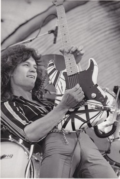 Top 10 Greatest Guitarists