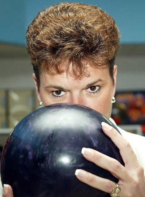 Look at the pure intensity and focus in the yes of this female bowler