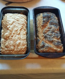Garlic Soda bread recipe. Homemade soda bread with fresh garlic and seeds for a healthy heart and a well balanced diet.