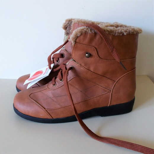 Damart ( UK 7 e / EU 41) Tan Ankle boots, Fleece lined with Laces