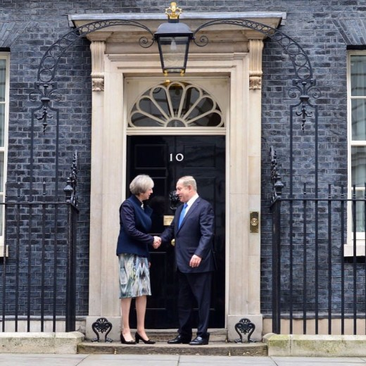May meets Netanyahu on step of 10 Downing Street