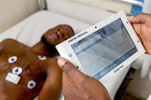 Cardiopad in use to do heart examinations