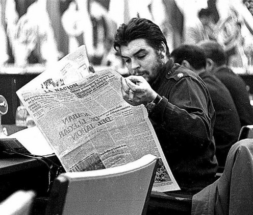 Che Guevara reading 'LA NACION', 1961