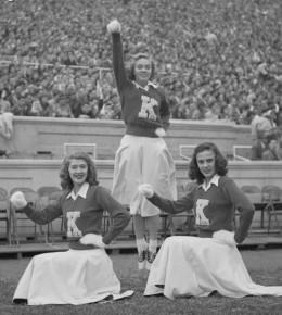 Wildcat cheerleaders, 1949