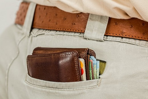 The card holder for iPhone is one way to say goodbye to bulky wallets.