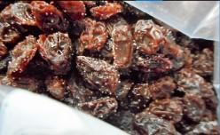 Minnesota Cooking: Salted Raisins - Trail Mix Minus the Peanuts and M & M's