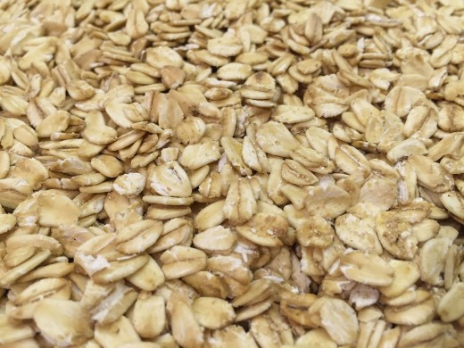 Rolled oats are very healthy - rich in protein and natural fiber, but low in fat. Soaking the oats in milk, coconut water, fruit juice or other liquids, renders the oats soft and creamy like cooked porridge.
