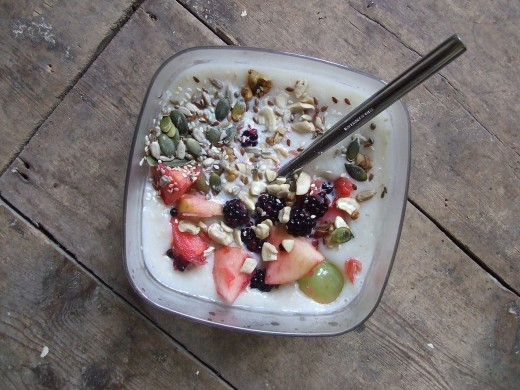 Overnight oats can include a huge variety of seeds, grains, dried fruit, fresh fruit, spices, yogurt and cream. It makes a quick and easy breakfast treat. You can keep the mix in glass jars in the refrigerator for up to 5-7 days before consuming.