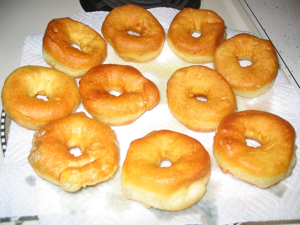 How To Make Easy Homemade Donuts