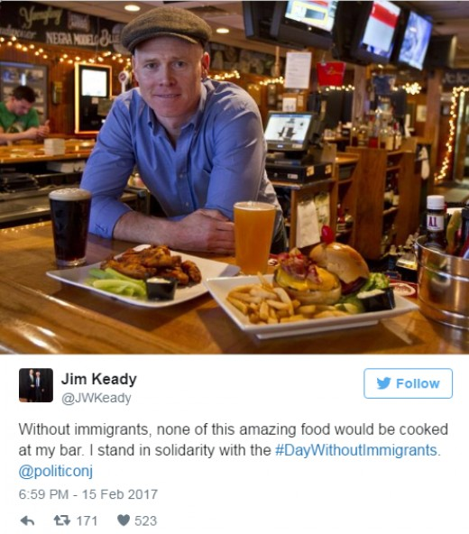 Bar owner closes to stand with immigarnts.