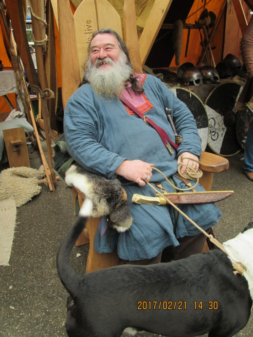 Jarl settles in his chair during the tiring afternoon with his hearth hound. Over the next few days he will entertain, inform, and  demonstrate his skills. Aside from Mike he has a team around him...