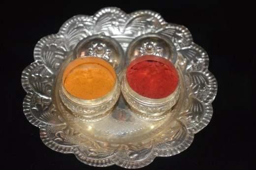 Turmeric and vermillion tray at home