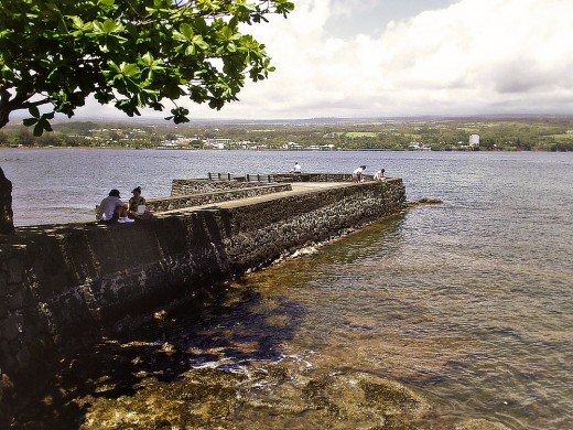 A relaxing afternoon on Hilo bay.