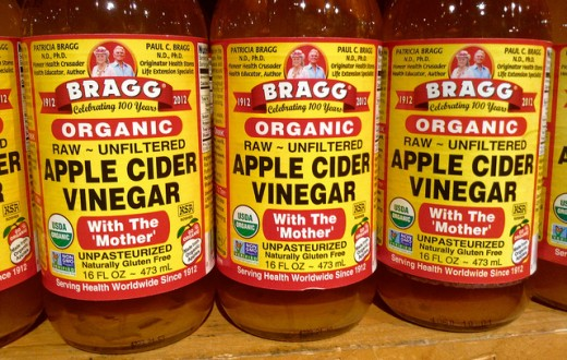 White vinegar is better for homemade bed bug spray, but apple cider vinegar is better to treat bites.