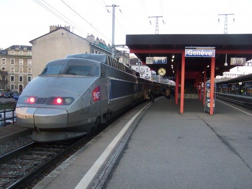 Arrival of a French TGV from Paris at Geneva-Cornavin station (Switzerland), on the special platforms reserved to French trains.