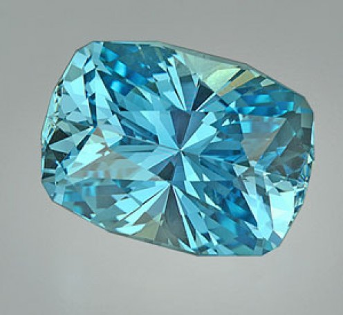 Aquamarine is one of the primary lucky gemstones for Aries