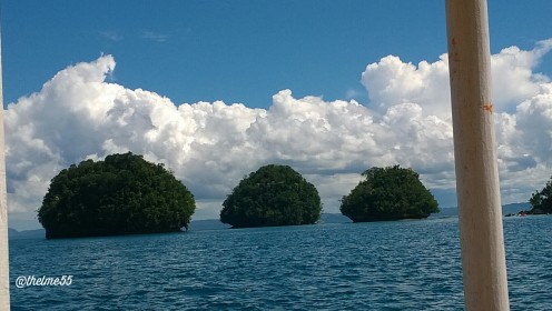 The beautiful  islets in Britania viewed from our rented boat.