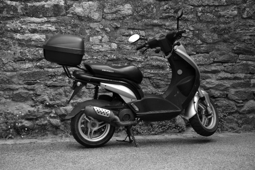 Scooter with a trunk