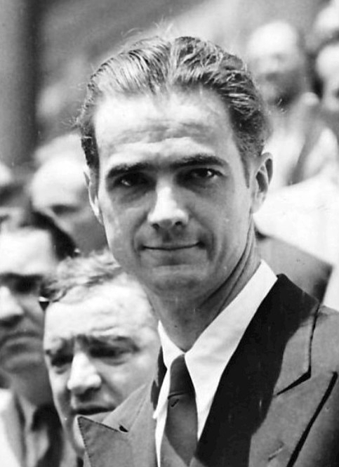 A young and handsome Howard Hughes.