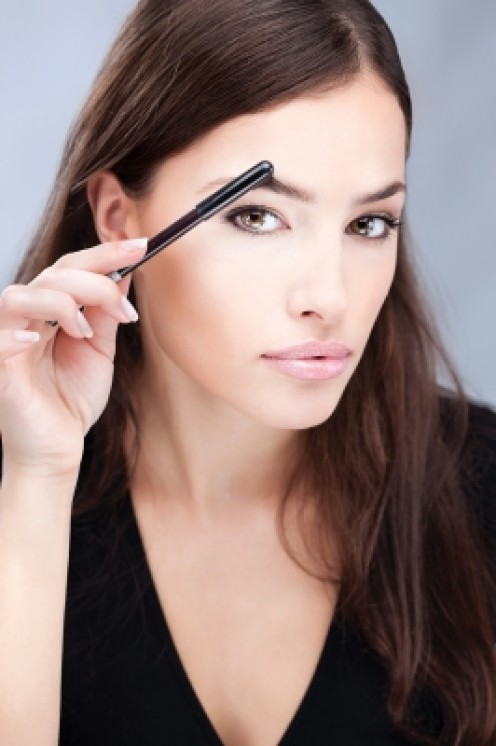 5 Eye and Eyebrow Makeup Hacks