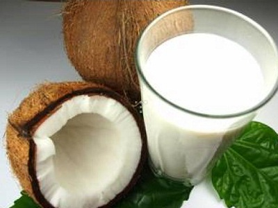 Coconut milk and coconut paste.