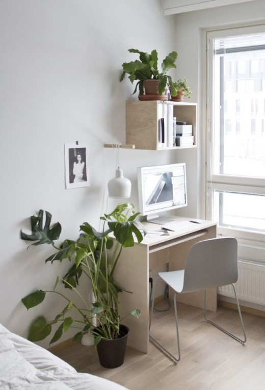 A writing desk and office decorating ideas