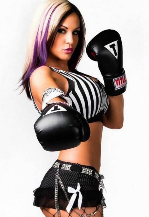 Former TNA Knockout Velvet Sky