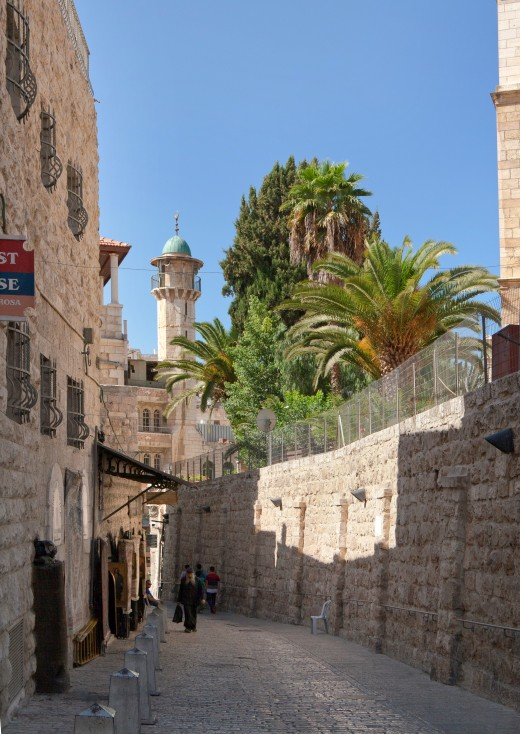 Via Dolorosa street in Jerusalem (Image by Ludvig14 from commons.wikimedia.org)