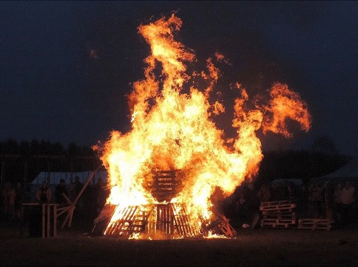 Whether large or small, a bonfire is a great way to honor the sun on Midsummer.