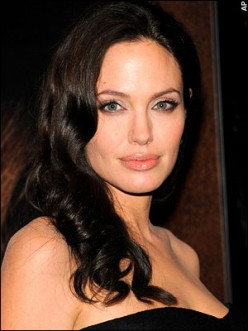Angelina Jolie shows how stunning eyebrows can frame the face