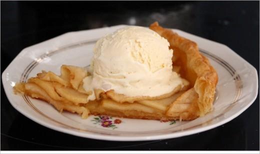 Apple tart and vanilla ice cream is a winner!