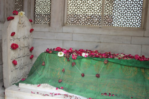Grave of Mirza Ghalib in Delhi