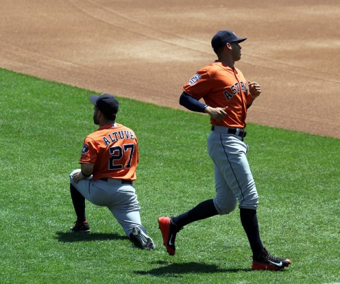 Altuve and Correa warm-up in Kansas City