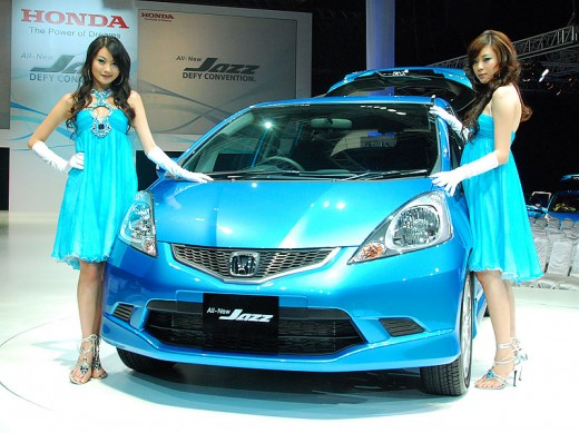 Honda Jazz with too sexy girls