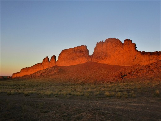 On the south side of Shiprock, there is located a long rocky ridge that somewhat resembles a giant wing. photo by author taken at dawn