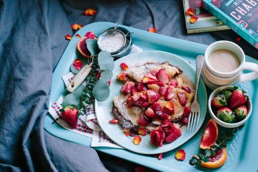 Foods Highest in Vitamin C | Strawberry (60 mg of vitamin per 100 gr), Grapefruit (30 mg)