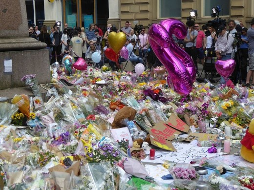 St. Ann's Square Manchester Arena bombing tribute