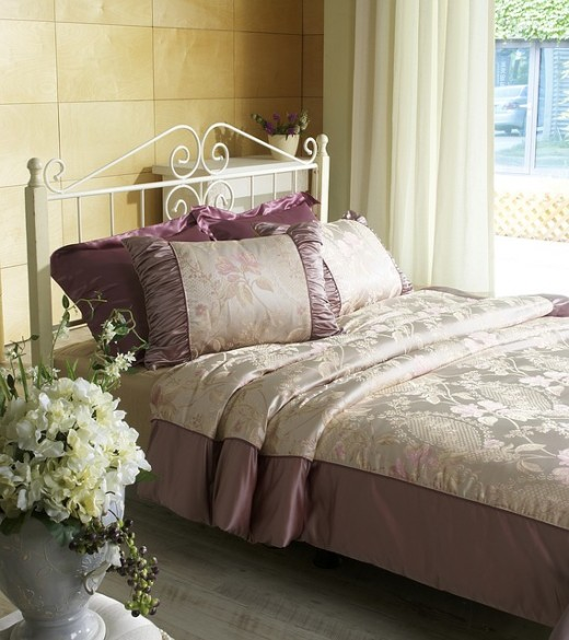 A luxury and glamorous quilt for the bedroom.