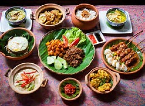 If you are a foodie then you will appreciate the wide variety of food items that you can choose from in Indonesia.