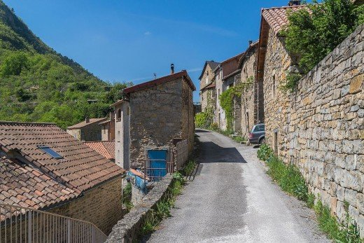 Peyreleau, Aveyron, France. A well written scene adds depth and interest to your story.