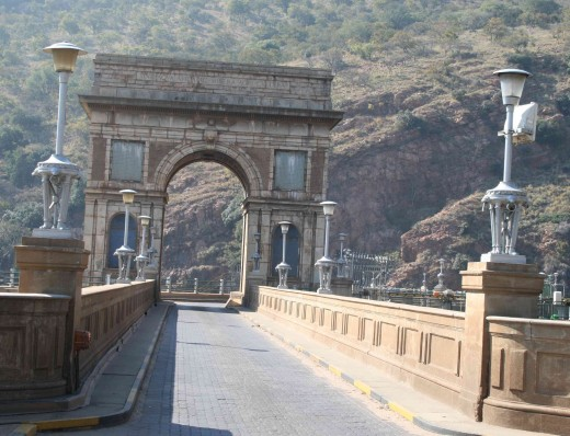 "The ""Triumphal Arch"" on the dam wall"