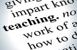Is it Better to Teach in Person or Online? 6 Pros and Cons of Each