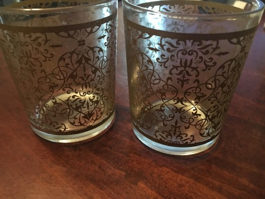 I couldn't get rid of the lovely design work on these tea light cups!