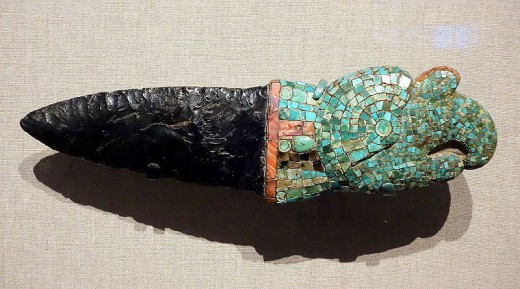 An earlier example of an obsidian ceremonial knife (1,200-1,500 A.D.)